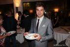 Marco Carrino, editore del magazine Livù, degusta le mozzarelle inMasseria