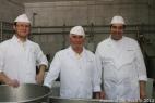 Una bella foto dei maestri casari che ogni giorno ci regalano prelibatezze, da sinistra Giovanni, Franco e Michele